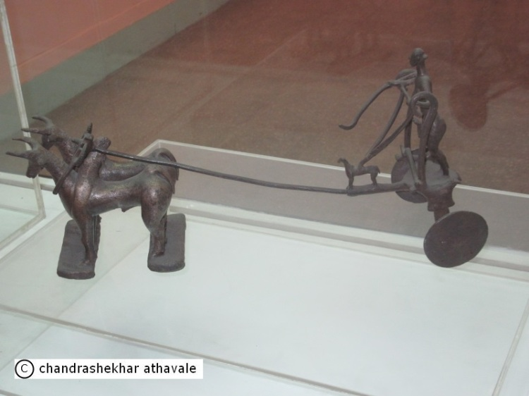 bronze chariot from Daimabad